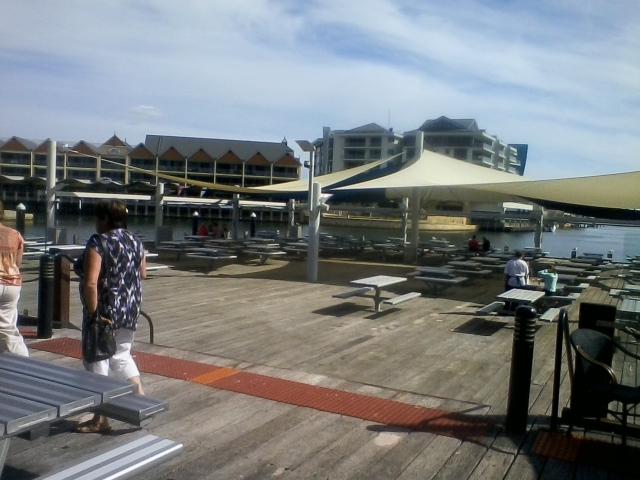 Dolphin Quay (Mandurah) 1.30pm Sunday 7/4/13