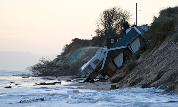 Storm surge Helms, UK (Dec 2013) Click image to  read more